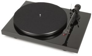 PROJECT Debut Carbon DC Turntable